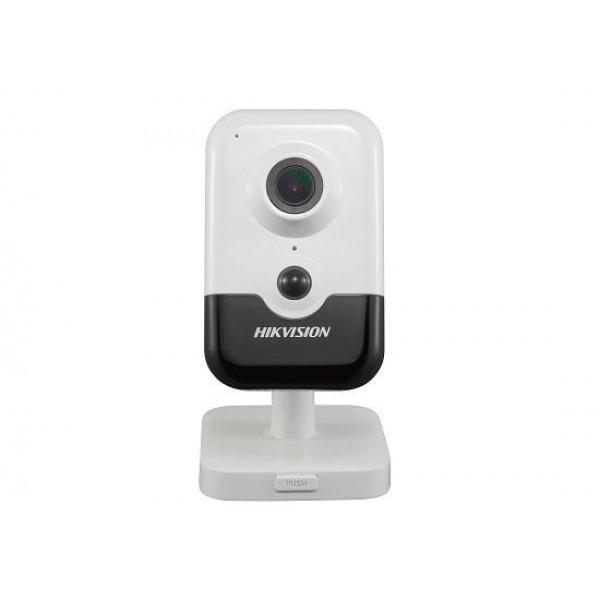 НОВО Hikvision Безжична компактна IP камера Ден/Нощ; резолюция 2.0 Мегапиксела