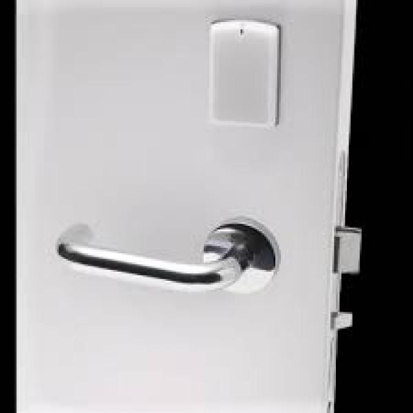 Електронна RFID брава SALTO AElement. Дискретен и същевременно стилен дизайн.
