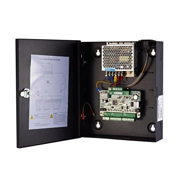 Hikvision Контролер за 2 врати двустранно. Поддържа 4 Wiegand четеца (w26/w34). 4 релейни изхода (2 за контрол на врата, 2 алармен). 6 алармени входа (2 застатус на врата,2 за  Exit бутон, 2 програмируеми)