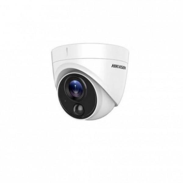 Hikvision 2MPx HD-TVI куполна Ultra-Low Light камера за видеонаблюдение с вграден PIR сензор