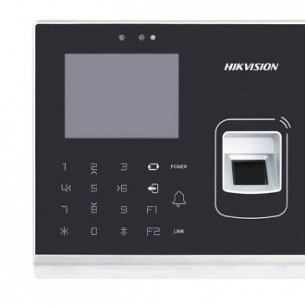 Hikvision Самостоятелен биометричен терминал за контрол на достъпа с поддръжка на Mifare карти, вградена FullHD камера за детекция на лица и четене на QR кодове